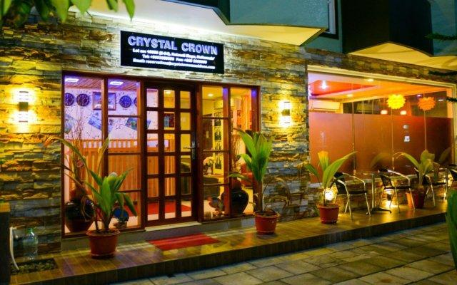 Отель Гостевой Дом Crystal Crown Maldives Мальдивы, Северный атолл Мале - отзывы, цены и фото номеров - забронировать отель Гостевой Дом Crystal Crown Maldives онлайн вид на фасад