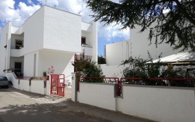 Отель Alba Chiara Поджардо вид на фасад