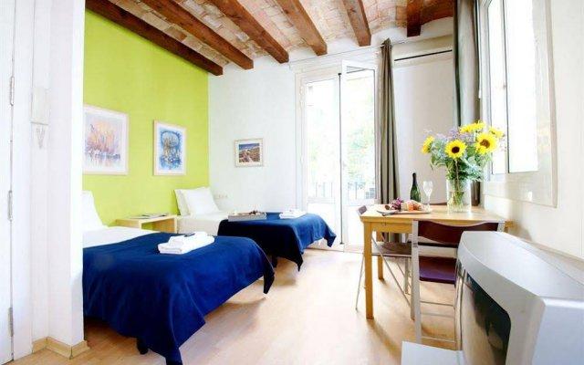 Отель Barceloneta Studios Барселона комната для гостей