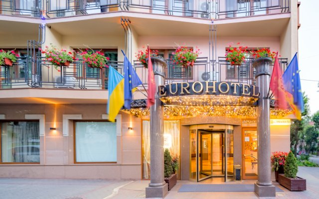 Гостиница Євроотель Украина, Львов - 7 отзывов об отеле, цены и фото номеров - забронировать гостиницу Євроотель онлайн вид на фасад