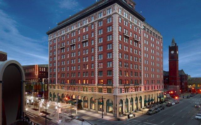 Omni Severin Hotel вид на фасад