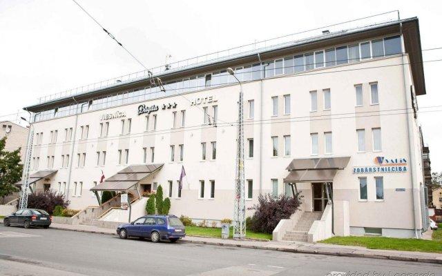 Отель Kolonna Brigita Рига вид на фасад
