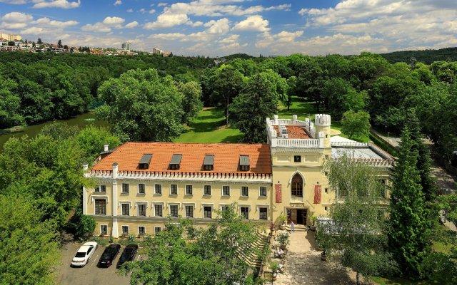 Отель Chateau St. Havel - wellness Hotel Чехия, Прага - отзывы, цены и фото номеров - забронировать отель Chateau St. Havel - wellness Hotel онлайн вид на фасад