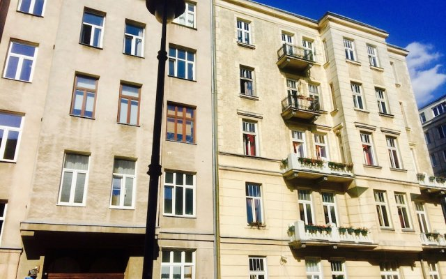 Отель 4th Floor Bed and Breakfast Польша, Варшава - отзывы, цены и фото номеров - забронировать отель 4th Floor Bed and Breakfast онлайн вид на фасад