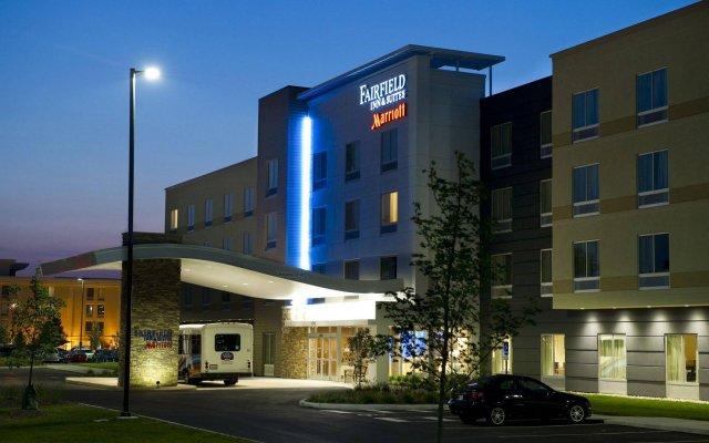Отель Fairfield Inn & Suites by Marriott Columbus Airport США, Колумбус - отзывы, цены и фото номеров - забронировать отель Fairfield Inn & Suites by Marriott Columbus Airport онлайн вид на фасад