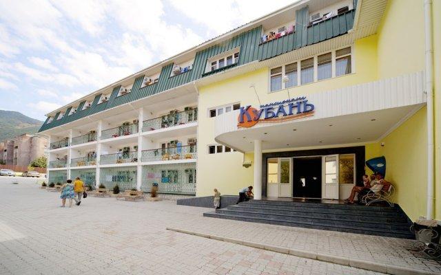 Гостиница Кубань (Геленджик) вид на фасад