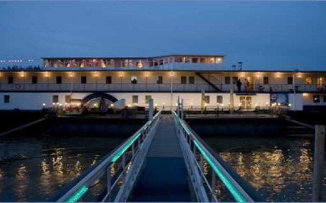 Aquamarina Hotel вид на фасад