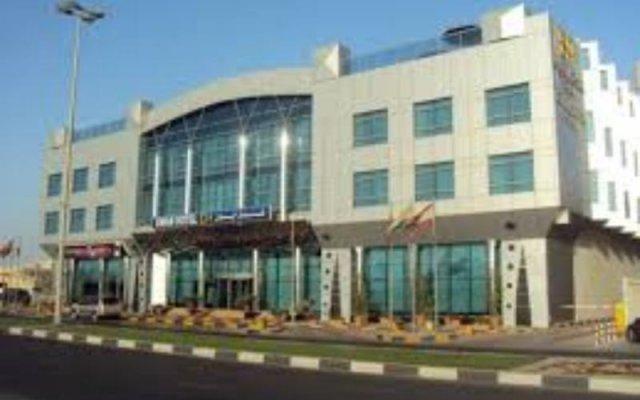 Отель Ewan Hotel Sharjah ОАЭ, Шарджа - отзывы, цены и фото номеров - забронировать отель Ewan Hotel Sharjah онлайн вид на фасад