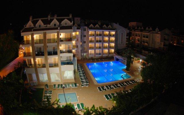 Epic Hotel & Apartments вид на фасад