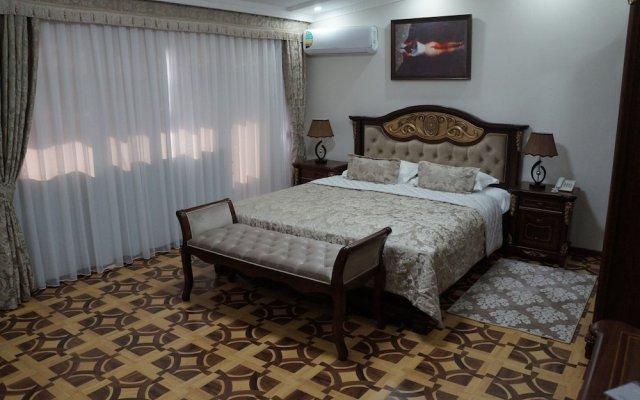 Отель Bravo Lyuks