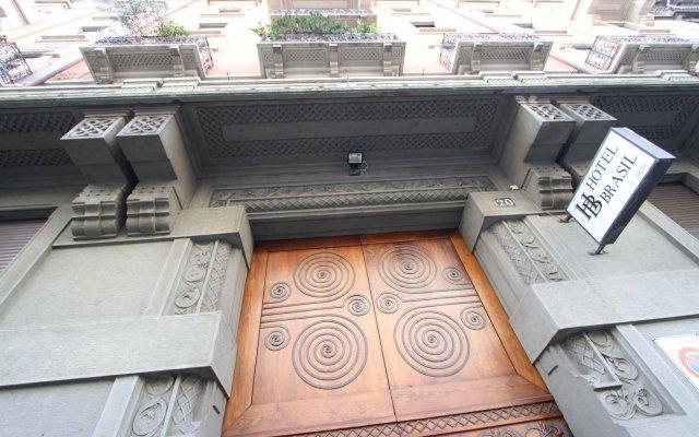 Hotel Brasil Milan вид на фасад