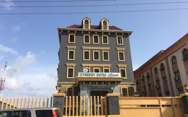 Отель Cynergy Suites Royale вид на фасад