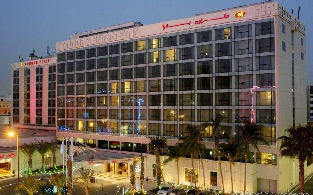 Отель Crowne Plaza Jeddah вид на фасад