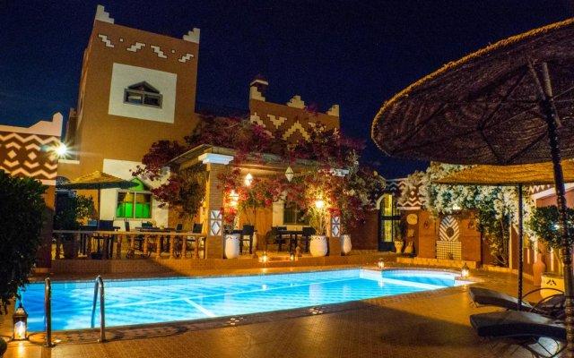 Отель Le Petit Riad Марокко, Уарзазат - отзывы, цены и фото номеров - забронировать отель Le Petit Riad онлайн вид на фасад