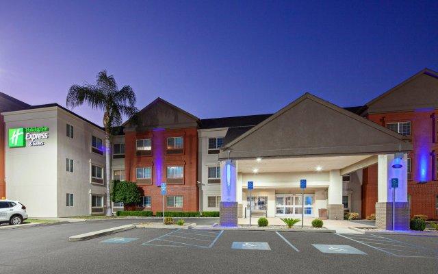 Отель Charter Inn and Suites вид на фасад