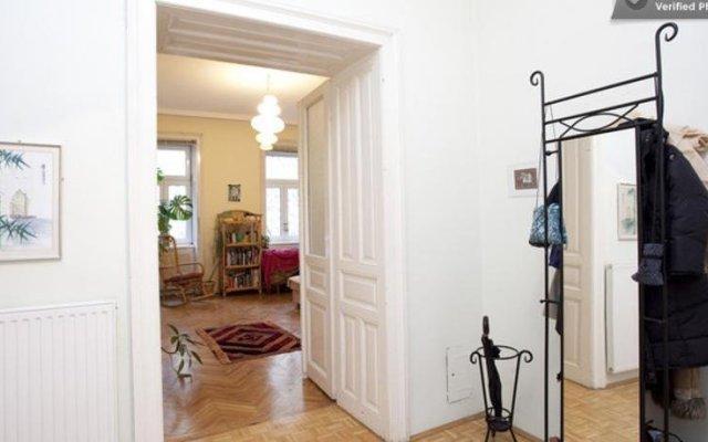 Отель Your sunny, central and quiet home Австрия, Вена - отзывы, цены и фото номеров - забронировать отель Your sunny, central and quiet home онлайн комната для гостей