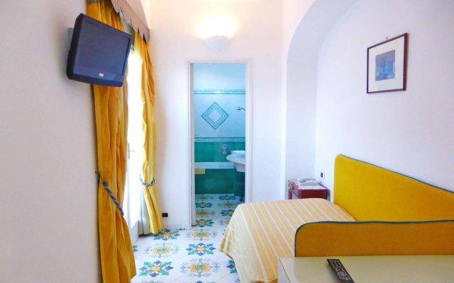 Отель Gatto Bianco Hotel & SPA Италия, Капри - отзывы, цены и фото номеров - забронировать отель Gatto Bianco Hotel & SPA онлайн комната для гостей