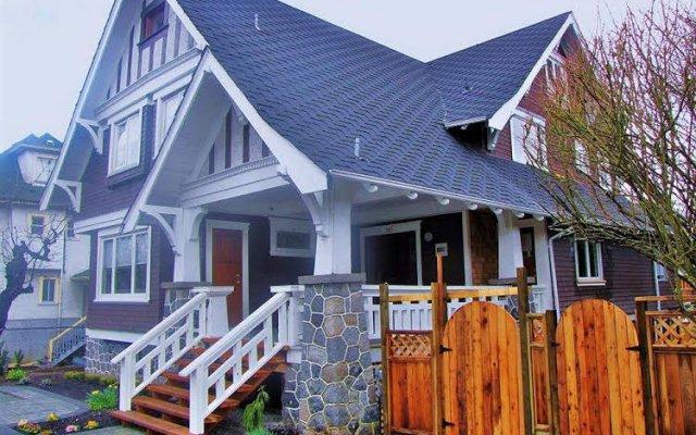 Отель Manor Guest House Канада, Ванкувер - 1 отзыв об отеле, цены и фото номеров - забронировать отель Manor Guest House онлайн вид на фасад