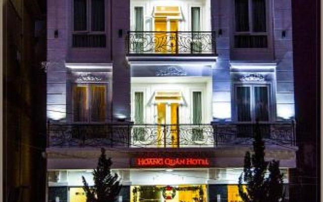 Hòang Quân Hotel Далат вид на фасад