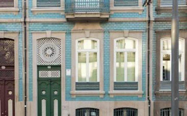Отель Maison des Amis Porto Guest House Порту вид на фасад