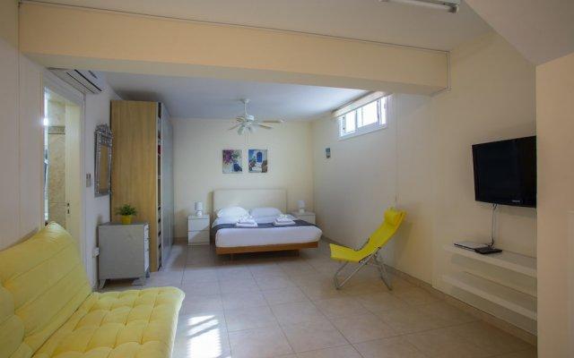 Отель Protaras Villa Jovanna комната для гостей