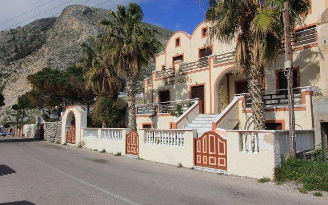 Отель Adonis Греция, Остров Санторини - отзывы, цены и фото номеров - забронировать отель Adonis онлайн вид на фасад