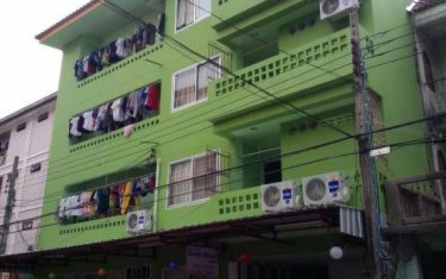 Отель Green House Hostel Таиланд, Бангкок - отзывы, цены и фото номеров - забронировать отель Green House Hostel онлайн вид на фасад