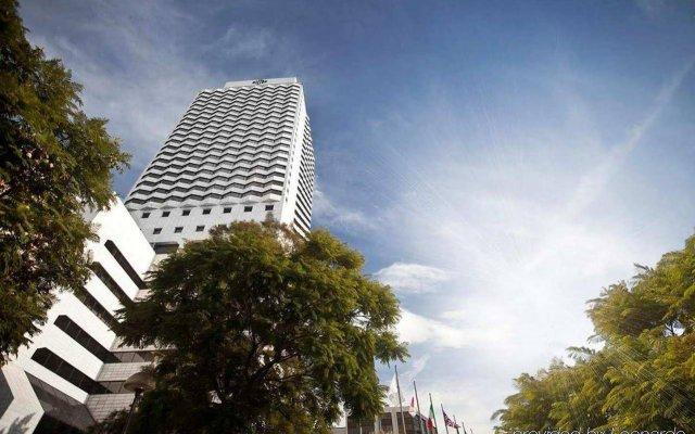 Отель Hilton Izmir вид на фасад