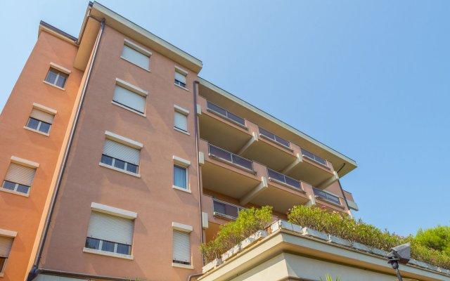 Hotel Miramare Чивитанова-Марке вид на фасад