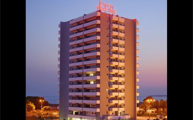 Отель Luna Alvor Bay Портимао вид на фасад