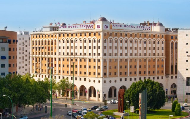 Отель Ayre Hotel Sevilla Испания, Севилья - 2 отзыва об отеле, цены и фото номеров - забронировать отель Ayre Hotel Sevilla онлайн вид на фасад