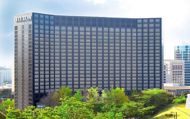 Отель Millennium Hilton Seoul вид на фасад