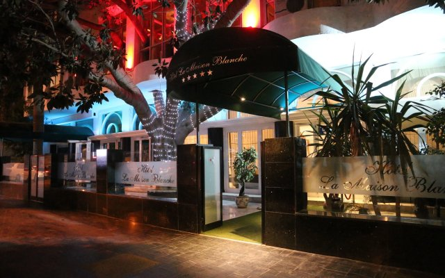 Hotel La Maison Blanche in Tunis, Tunisia from 124$, photos, reviews - zenhotels.com hotel front