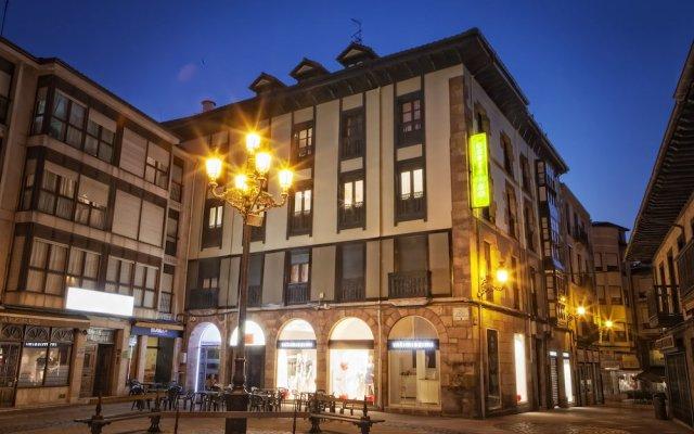 Отель Hostal Boutique Puerta del Sol вид на фасад