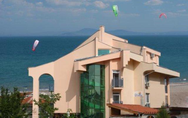 Отель Морской Конек Болгария, Бургас - отзывы, цены и фото номеров - забронировать отель Морской Конек онлайн вид на фасад