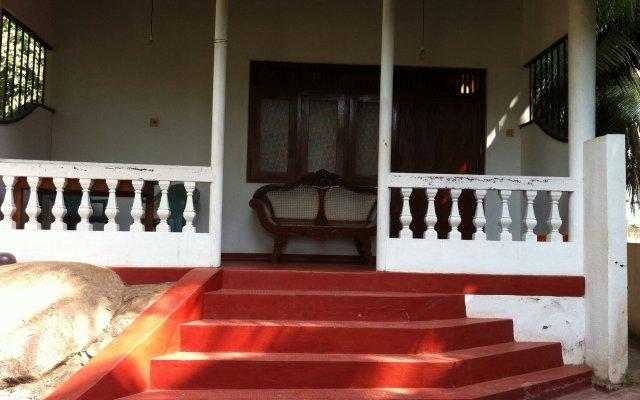 Отель Blanca Cottage Унаватуна вид на фасад