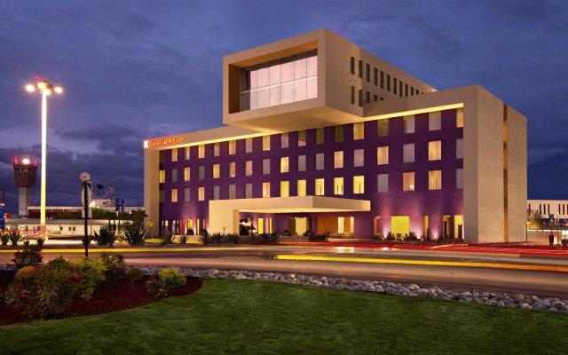 Отель Hilton Garden Inn Monterrey Airport вид на фасад
