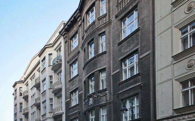 Отель Prague Women's Hall of Fame Чехия, Прага - отзывы, цены и фото номеров - забронировать отель Prague Women's Hall of Fame онлайн вид на фасад
