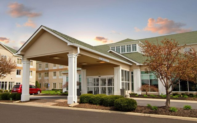 Отель Hilton Garden Inn Columbus Airport вид на фасад