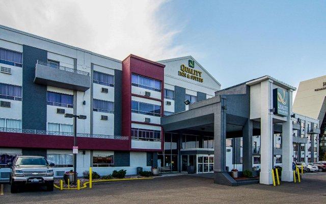 Отель Quality Inn & Suites Denver Stapleton вид на фасад