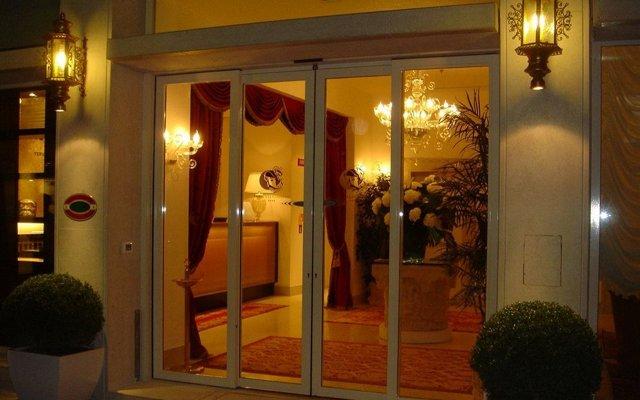 Отель A La Commedia Венеция вид на фасад