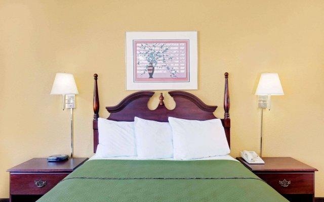 Отель Travelodge by Wyndham Chambersburg США, Чемберсберг - отзывы, цены и фото номеров - забронировать отель Travelodge by Wyndham Chambersburg онлайн вид на фасад