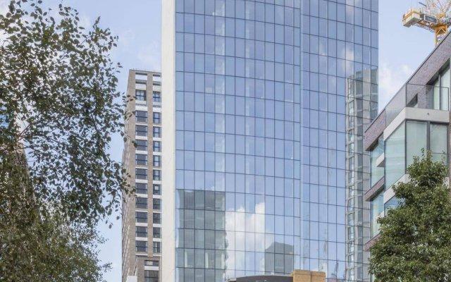 Отель Leman Locke вид на фасад