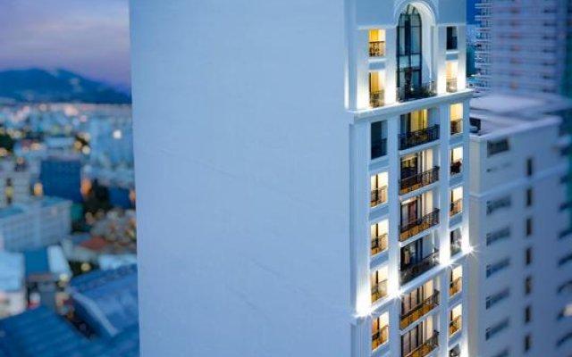 Bonjour Nha Trang Hotel вид на фасад