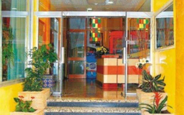 Отель Perello Испания, Льорет-де-Мар - отзывы, цены и фото номеров - забронировать отель Perello онлайн вид на фасад