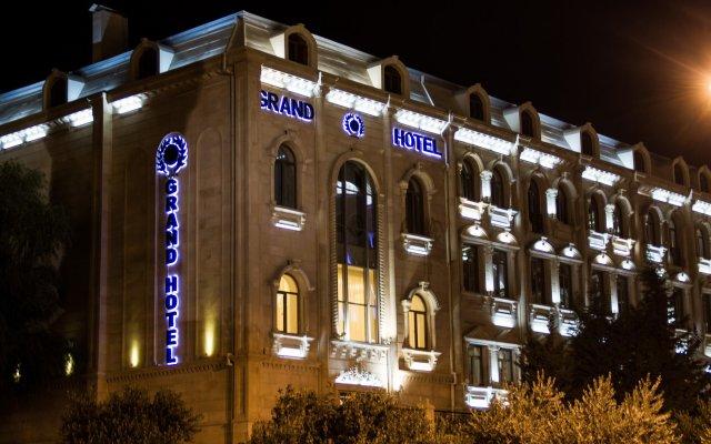 Отель Grand Hotel Азербайджан, Баку - 8 отзывов об отеле, цены и фото номеров - забронировать отель Grand Hotel онлайн вид на фасад