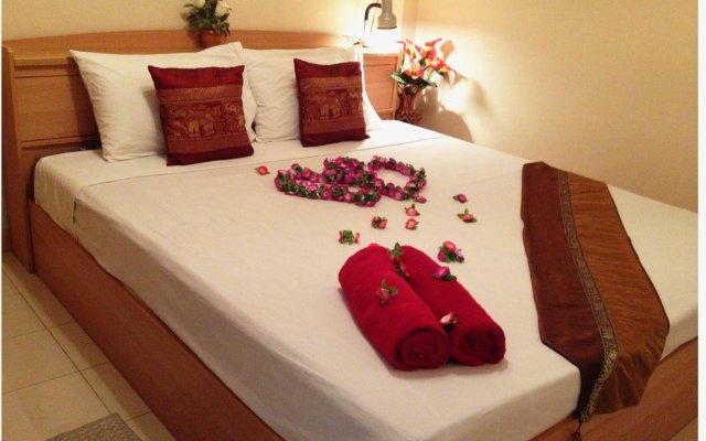 Отель Honey Bear Guesthouse комната для гостей