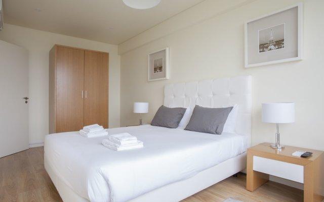 Апартаменты Liiiving In Porto - Downtown View Apartment комната для гостей