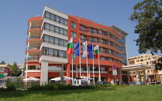 Hotel Vigo вид на фасад