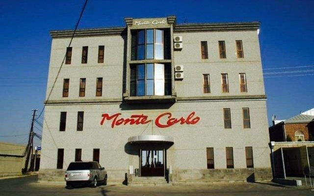 Отель Monte Carlo вид на фасад